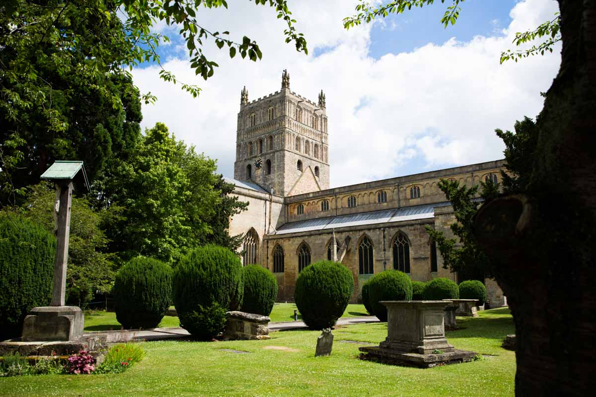 The outside of the Tewkesbury Abbey