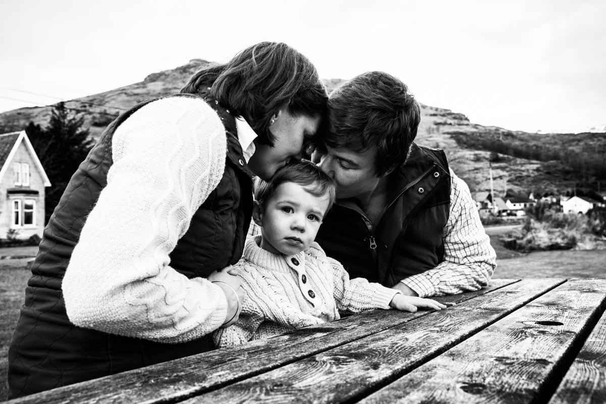 Carrick castle photographer. A family photo shoot at Carrick Castle near Lochgoilhead.