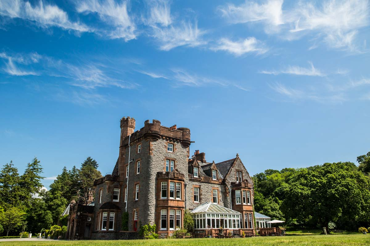 Isle of Eriska luxury destination wedding venue west coast of Scotland. Luxury wedding photographer Scotland