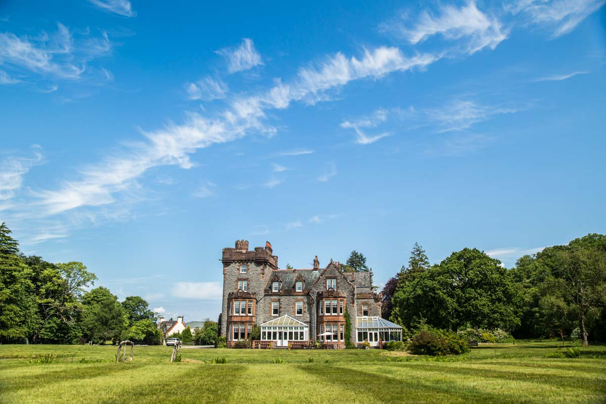 Isle of Eriska luxury destination wedding venue. Glasgow wedding photographer