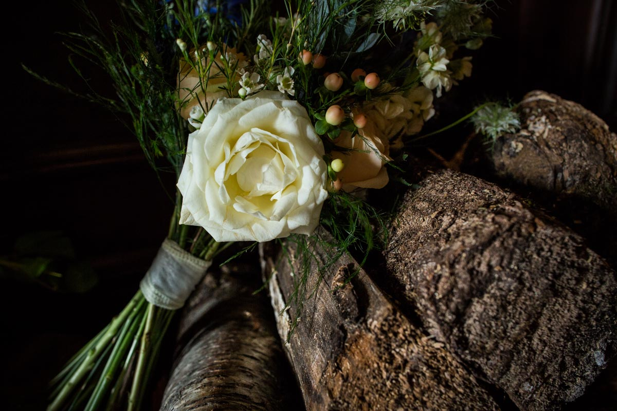 Dunoon wedding flowers at Old Kilmun House. The Woodland Florist Kirn. Glasgow wedding photographer