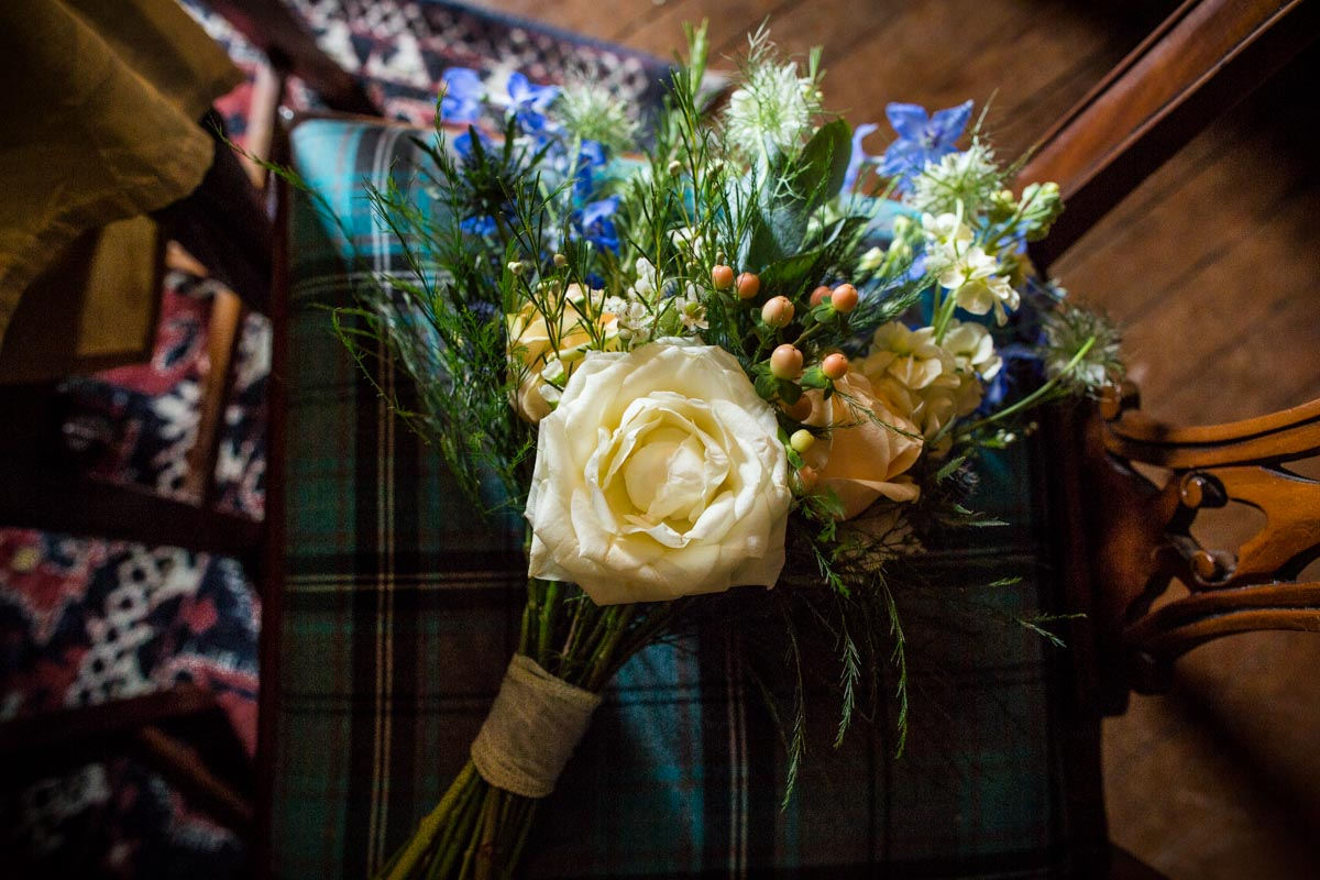 Dunoon wedding flowers at Old Kilmun House. The Woodland Florist Kirn. Dunoon wedding photographer