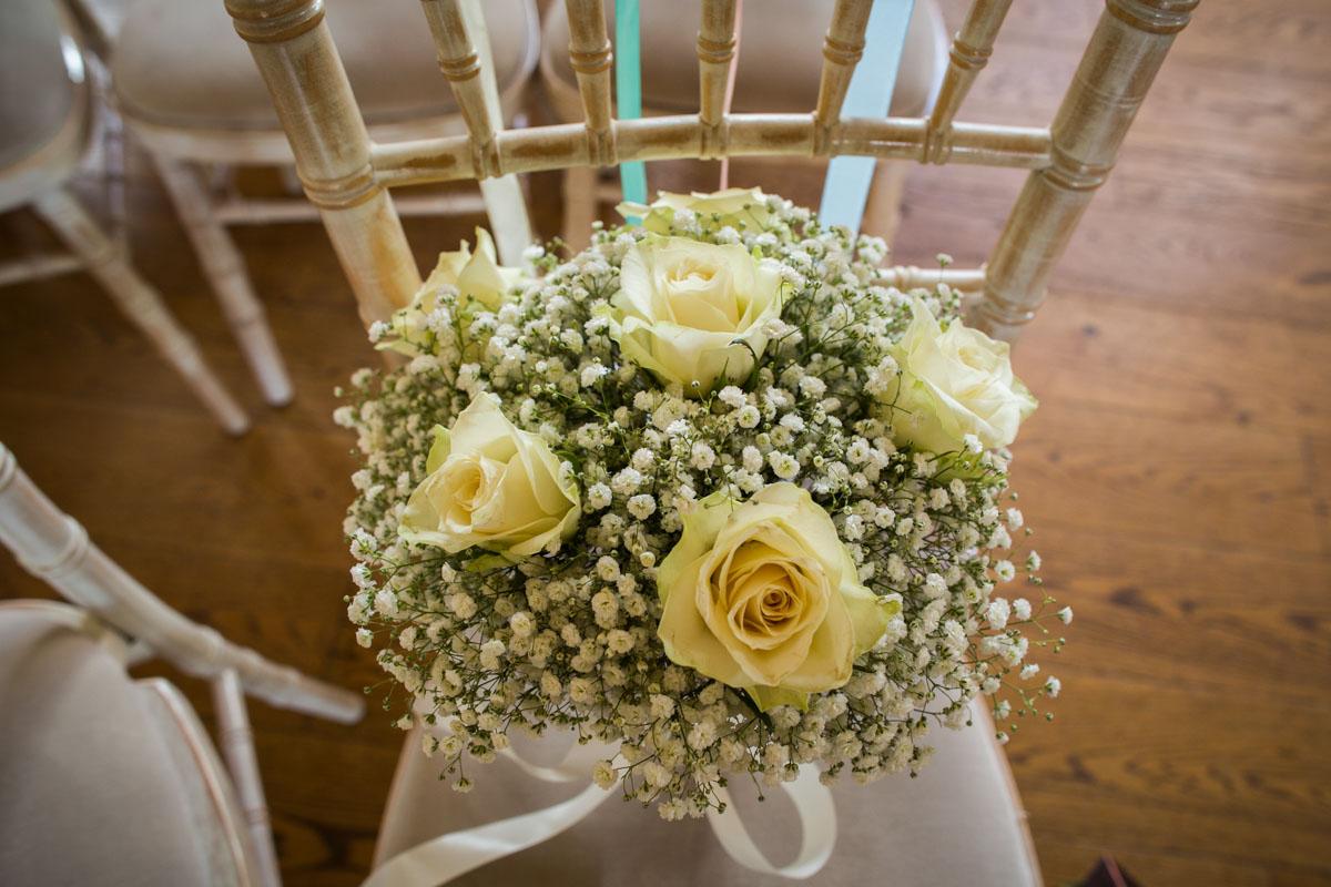 Upcote Barn wedding flowers. Glasgow wedding photographer