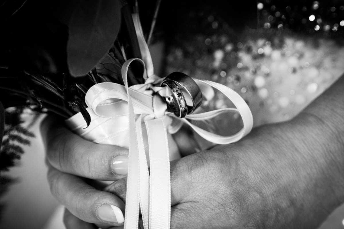 Wedding bouquet idea. Rings attached to bouquet. Glasgow wedding photographer.