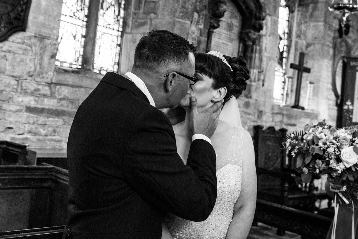 First kiss. Glasgow wedding photographer. Wedding photographer Scotland