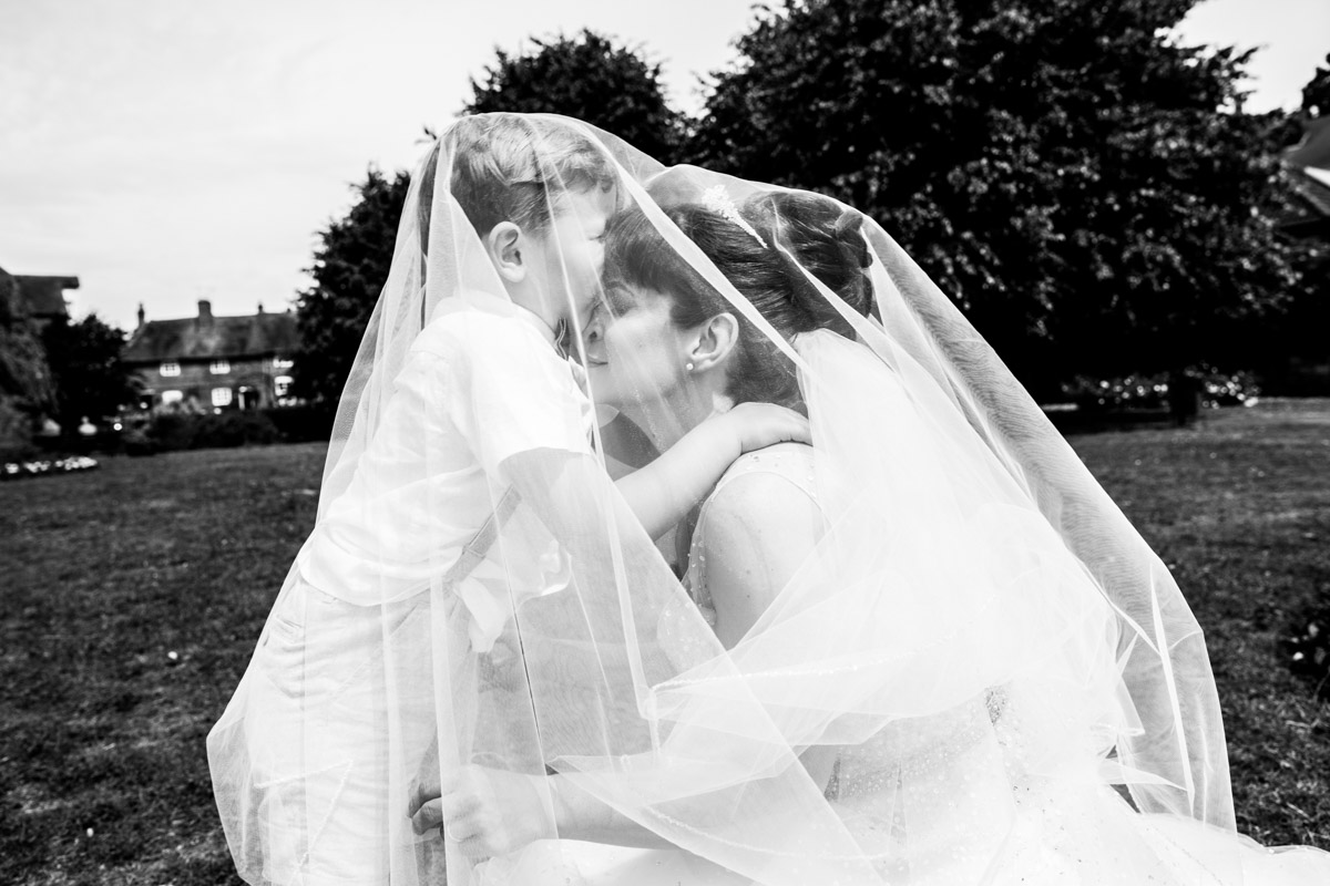 Bride and child veil ideas. Glasgow wedding photographer. Cornhill castle wedding